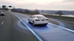 特斯拉的自动驾驶功能成功避免了一起车祸