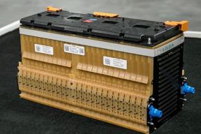 方的、圆柱的、薄片的……为什么不同厂家用不同形状的电池?