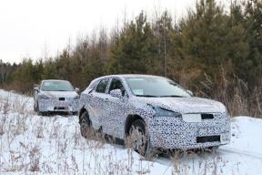 综合续航400公里,今年12月上市,绿驰汽车紧凑型SUV路试谍照曝光