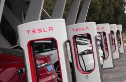 不会让你再免费充电占便宜 特斯拉全球充电价格提高33%