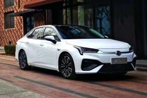 除Aion S外,下半年推出Aion X,广汽新能源后续将推12款新车