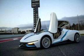 2019日内瓦车展:加速2.7秒的北汽超跑,奔驰第二款纯电SUV……