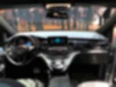奔驰EQV概念车5