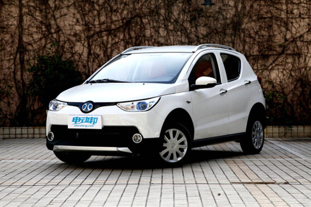 更換為磷酸鐵鋰電池,售價5.58萬元,北汽新能源EC220新增標準版車型