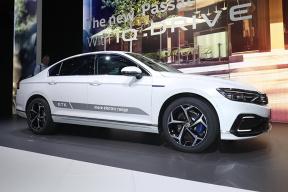 纯电续航70公里 大众推新款帕萨特GTE插电混动版