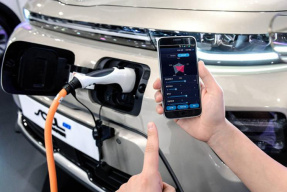 现代集团开发可手机定制电动车参数技术