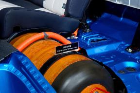 英格兰一大学研发新材料 实现氢动力汽车发展突破