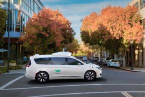Lyft和Waymo合作,10辆自动驾驶车辆上路提供服务