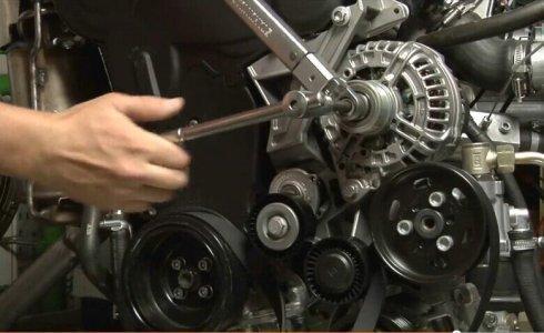 汽车发电机不发电的原因:异常表现