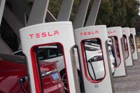 特斯拉 Model 3 车主:实名羡慕 官方或恢复国内 S/X 车主免费超充