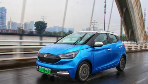 小型汽車江鈴新能源易至EV3怎樣?