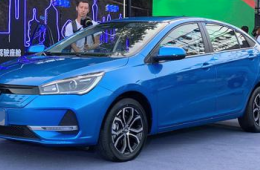 奇瑞全新纯电动轿车,艾瑞泽e正式上市