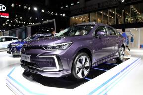 补贴后 15.99 万元起,定位中型轿车,北京汽车EU7正式上市