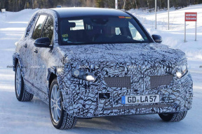 奔驰GLB 谍照曝光,造型硬朗,顶配车型搭载 110 kWh 的电池组
