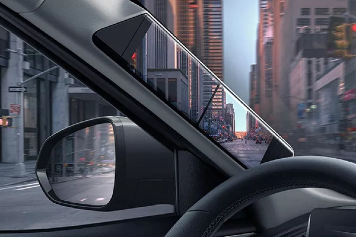 """续航500+公里,四块屏幕组成""""透明A柱""""!15万的车都这么上档次了?"""