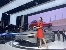 公布预售27万~37万元 暨小鹏P7智能音乐座舱首度亮相
