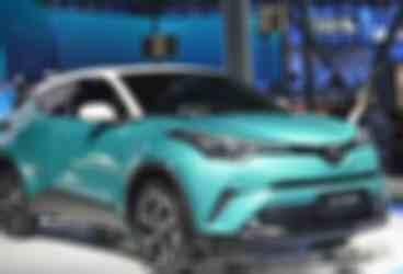 丰田再推小型SUV,2.0发动机油耗只需5.7L,性能不输宝马X1