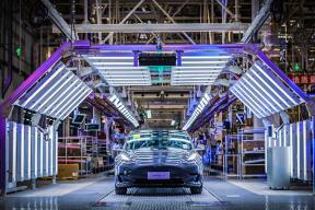 国产版Model 3 将于 1 月 7 日正式交付给消费者