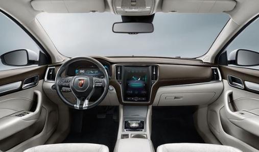 同为新能源汽车,荣威ei6 plus和卡罗拉双擎E+谁的性价比更高