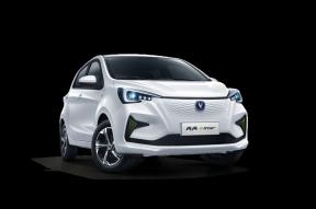 想买一辆品质高、使用成本低的小车,奔奔E-Star是个不错的选择