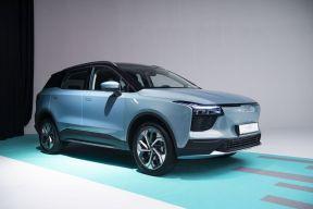 爱驰汽车携欧洲合作伙伴亮相斯图加特,发布欧版U5及U6 ion造型预览