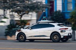 Waymo发布第五代自动驾驶系统:能看到500m外的路标