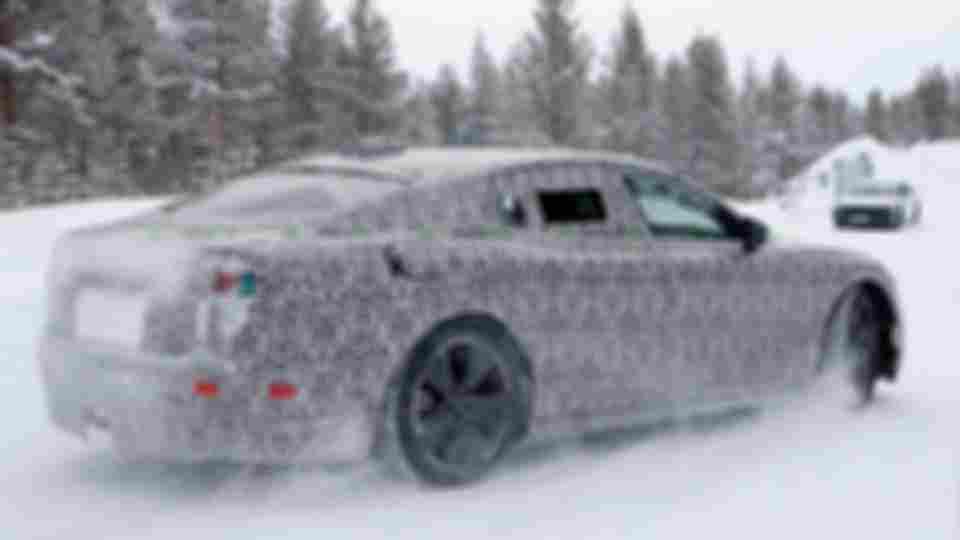 jaguar-xj-prototype-spy-photos