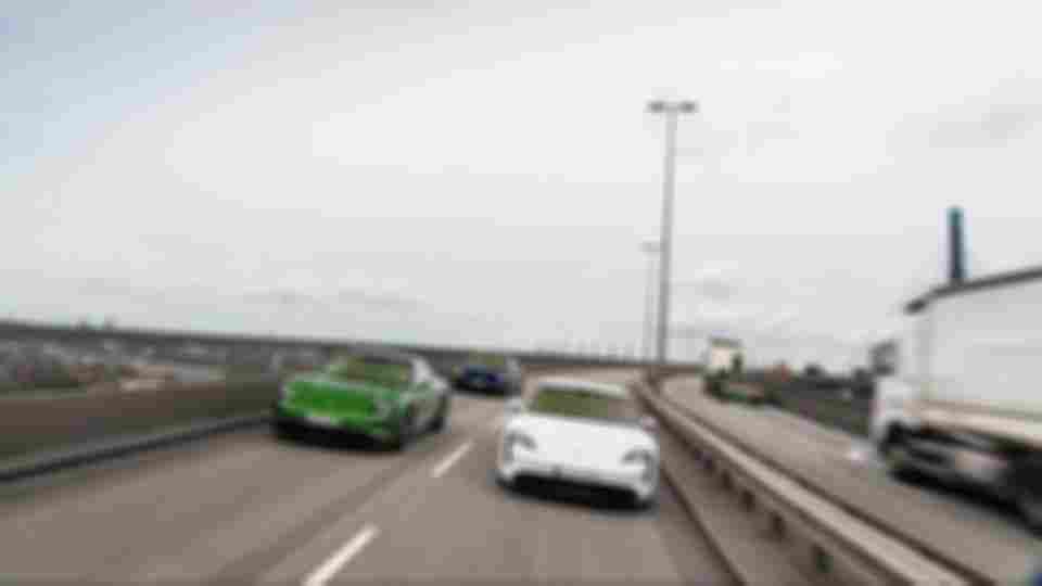 2020-porsche-taycan-turbo-s (2)