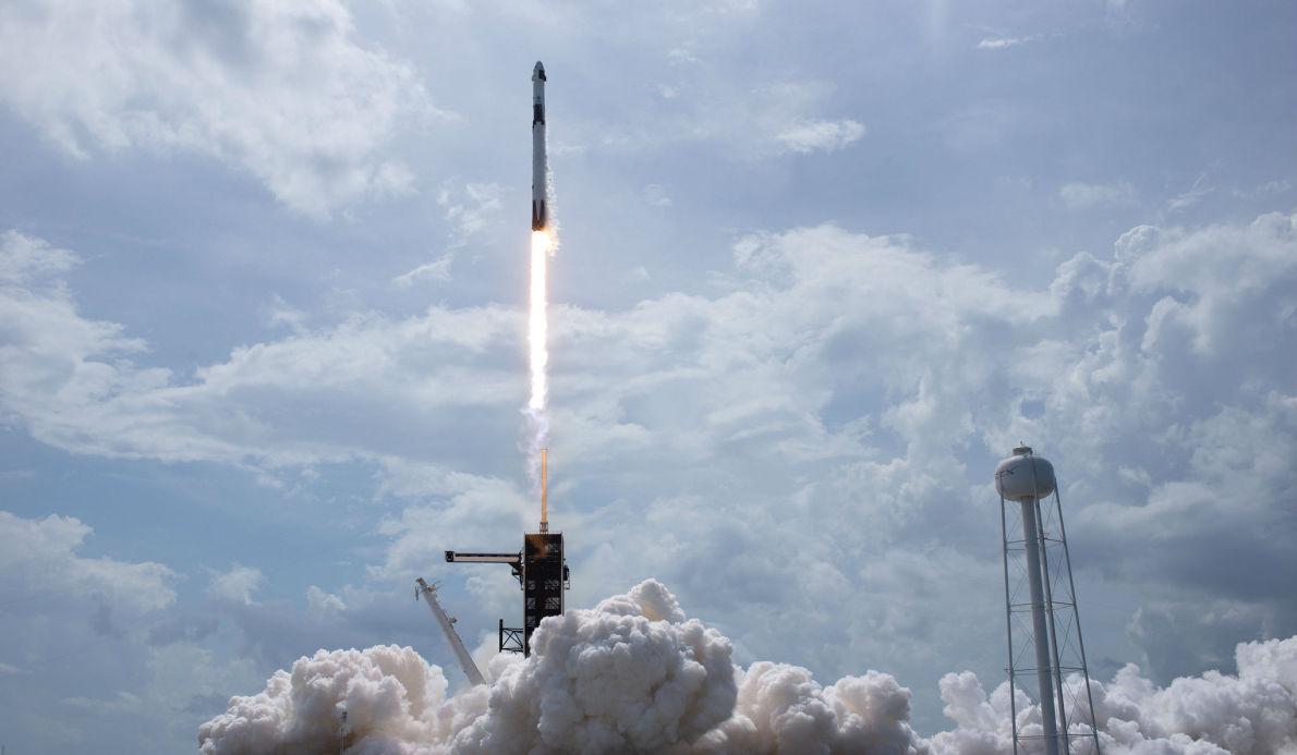 SpaceX實現載人首飛!馬斯克的太空夢又進一步