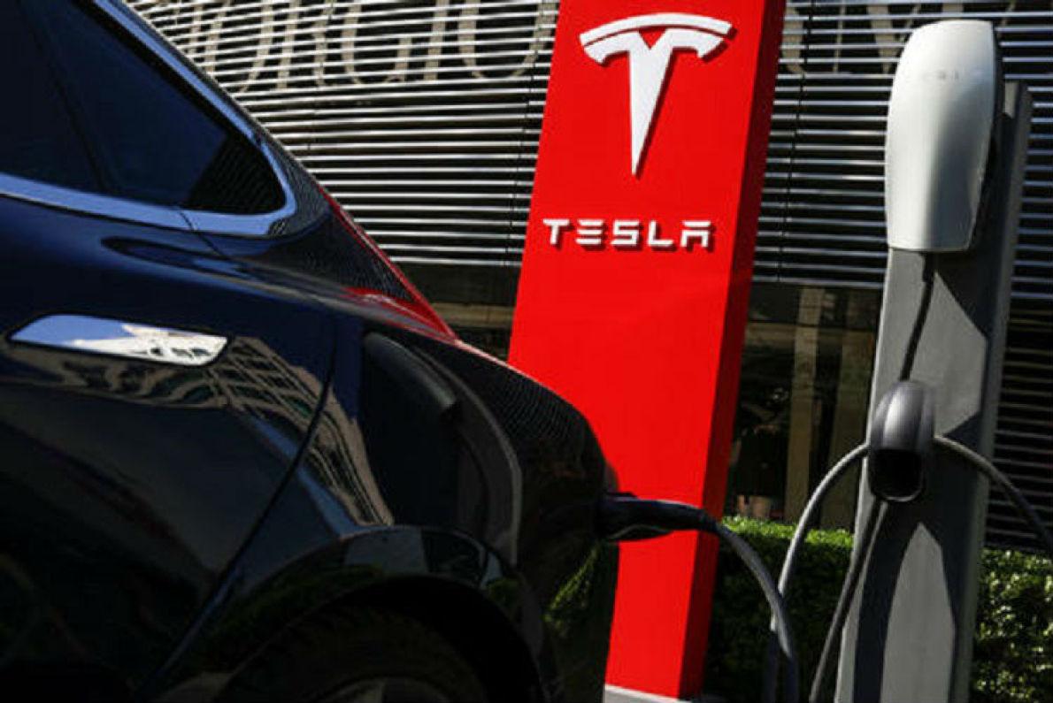 销量增长 股票看涨 特斯拉要求电池供应商增加产能