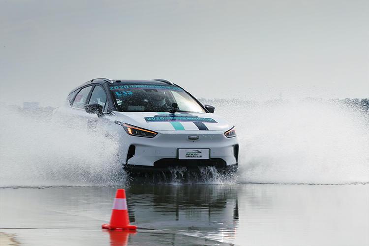 赛道圈速干趴Model 3丨几何C斩获CEVC多项冠军