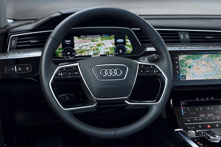 Audi_Fahrerposition_03_副本