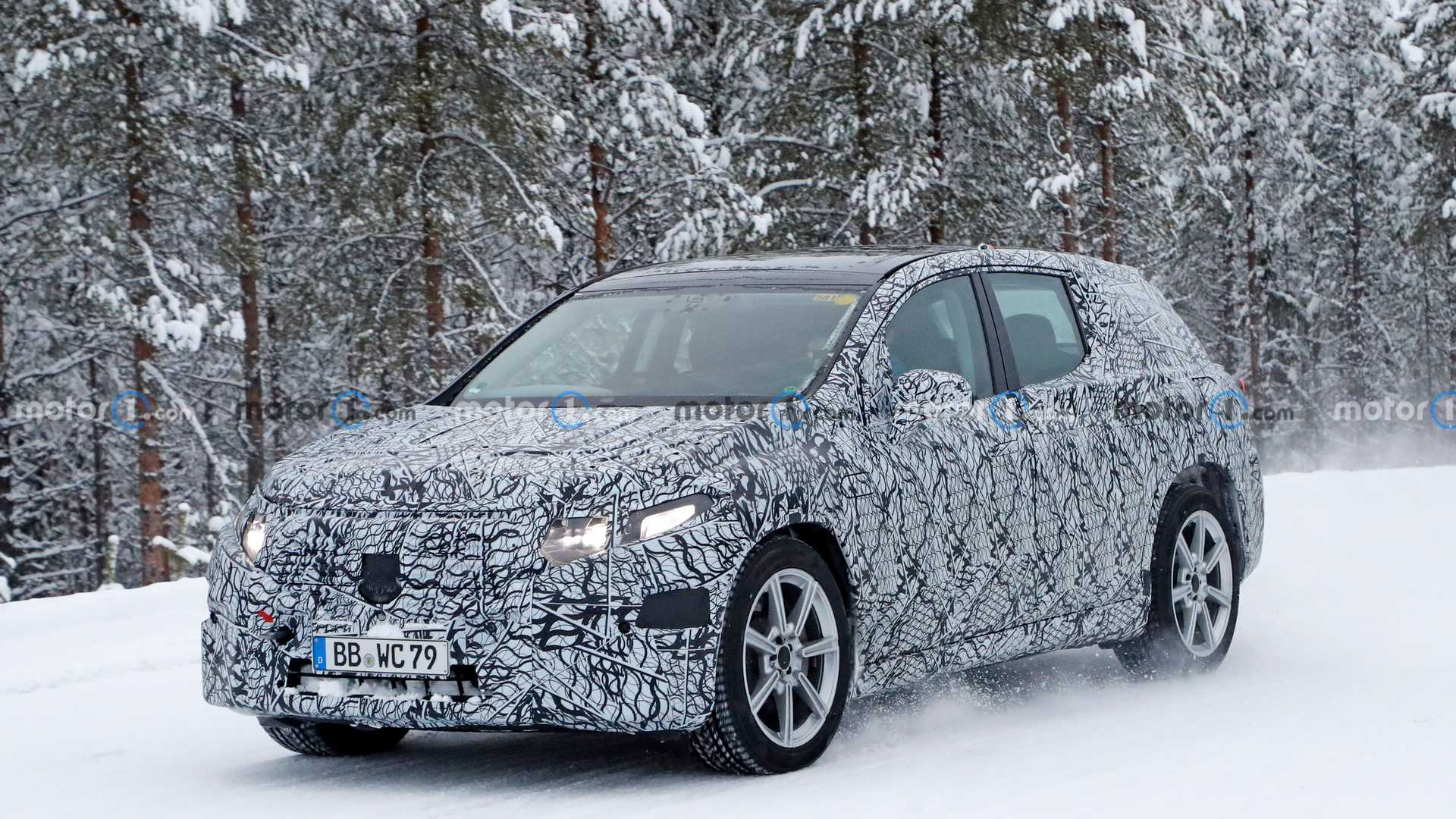 mercedes-benz-eqs-front-spy-photo