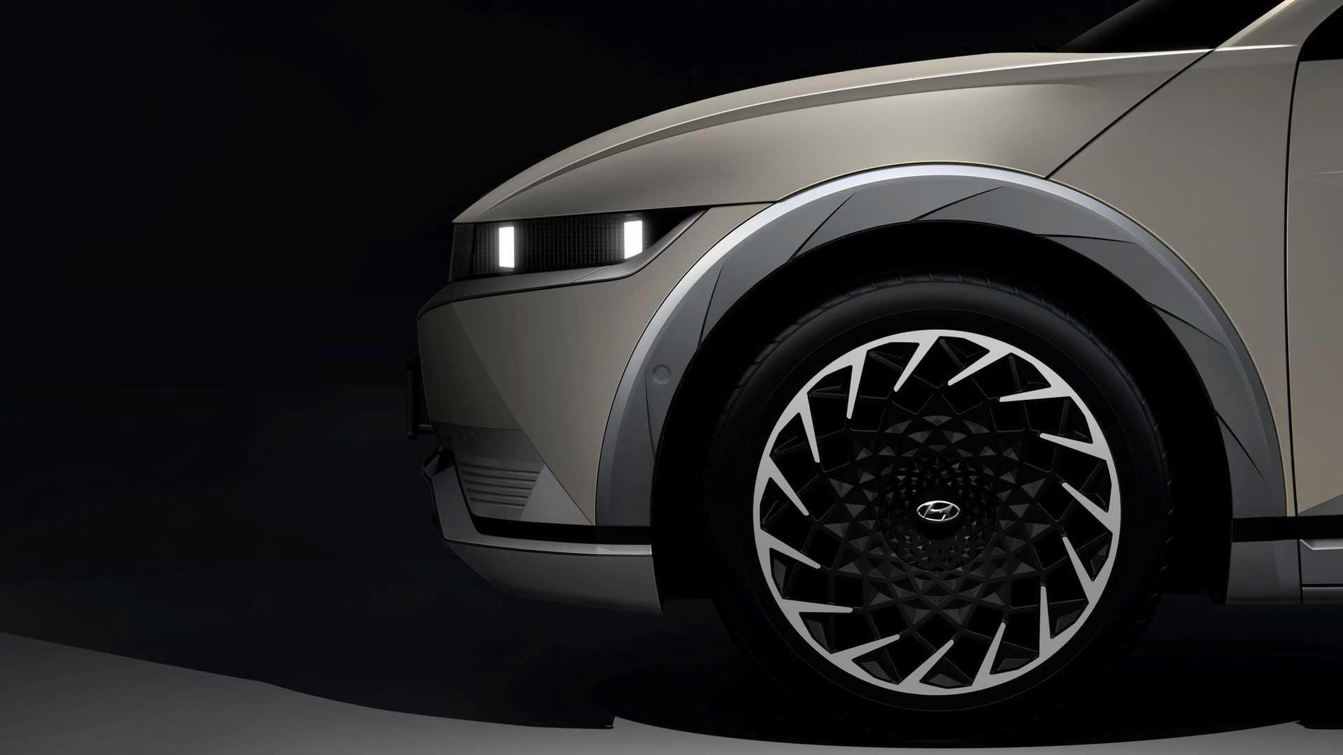 2022-hyundai-ioniq-5-teaser-wheel