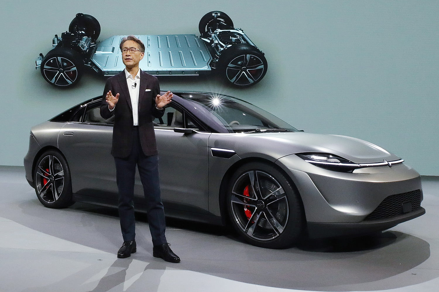 sony-vision-s-electric-concept-car-feature
