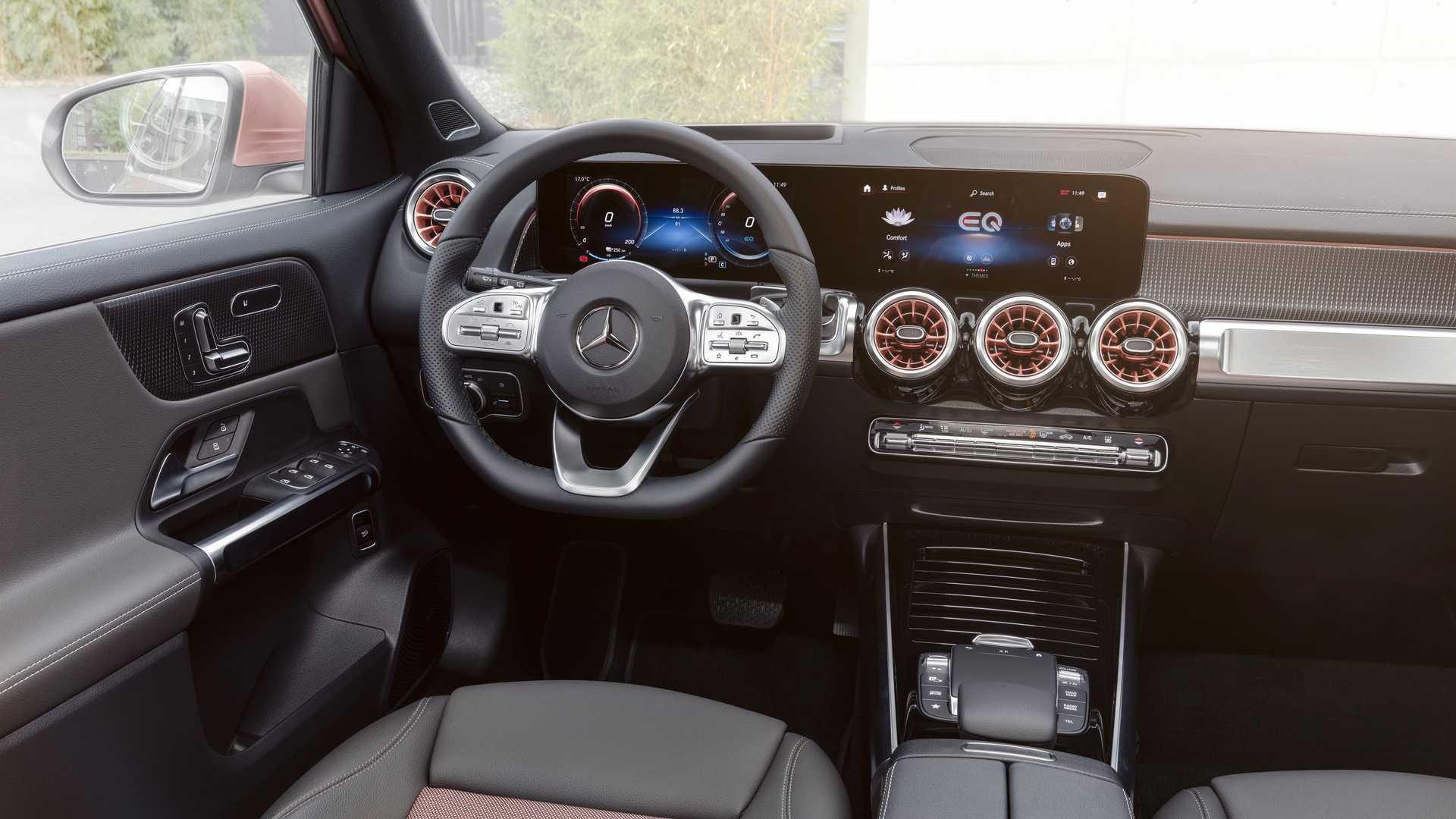 2022-mercedes-benz-eqb-350-interior.jpg