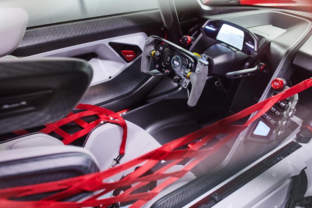 300821-Porsche0206LDN.jpg