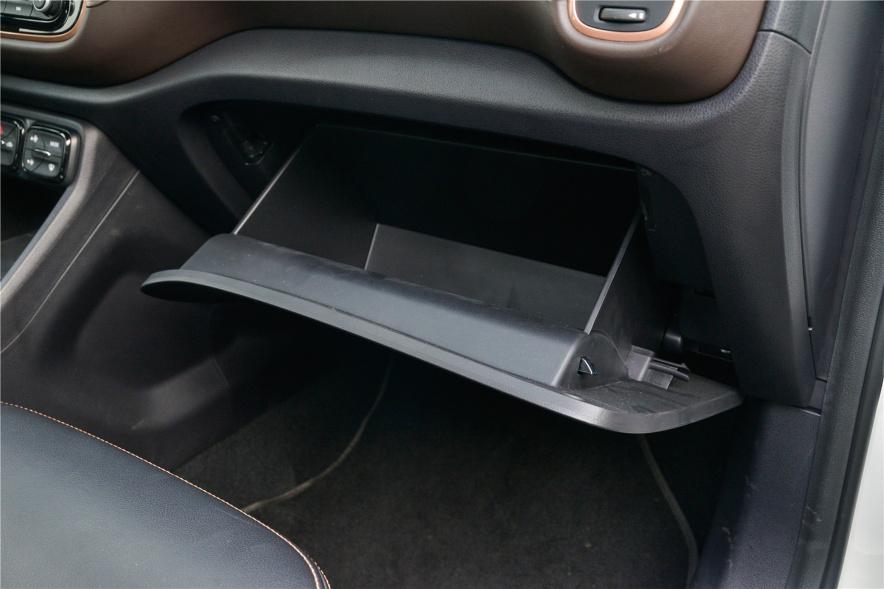 2018款 广汽新能源 GE3 530 智享版 实拍 座椅空间
