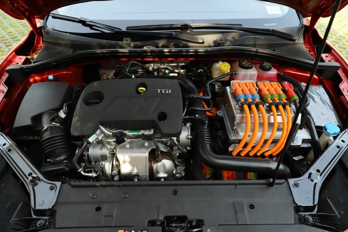 2018款 名爵 6 混动 45T E-DRIVE PILOT 超级互联网版 名爵红 实拍 动力底盘
