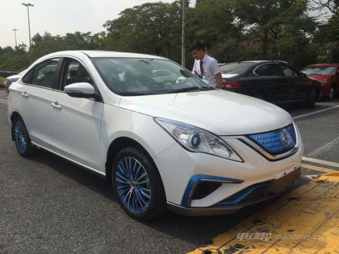 东风风行景逸S50 EV纯电动车 展前曝光