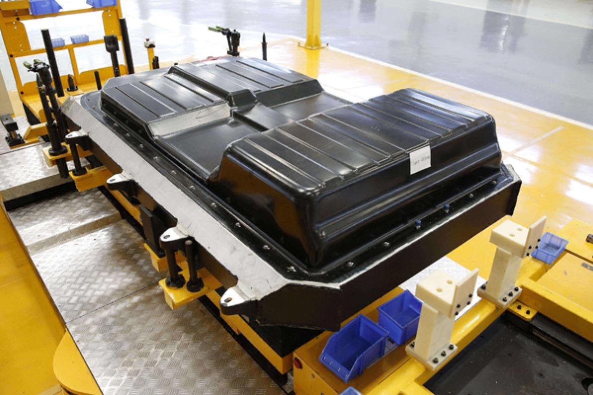 磷酸铁锂电池是新能源王道?珠珠给你讲不同种类电池的优缺点