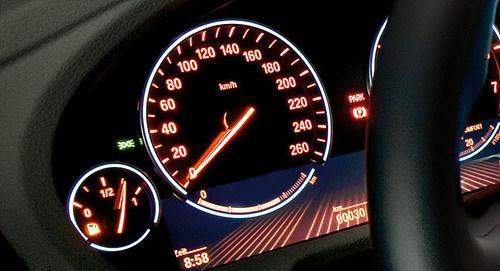 汽车油表怎么看