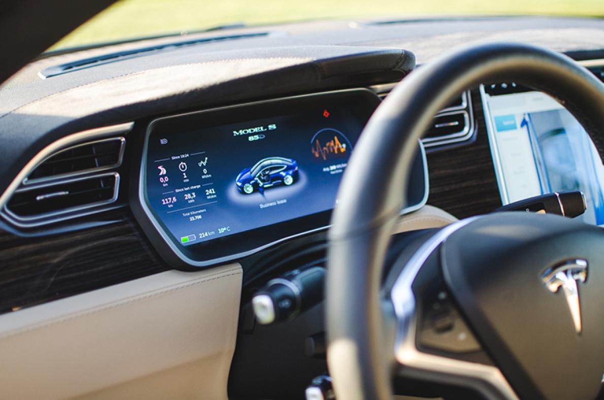 特斯拉将在月底发布第9版软件更新,Autopilot将有重要改进