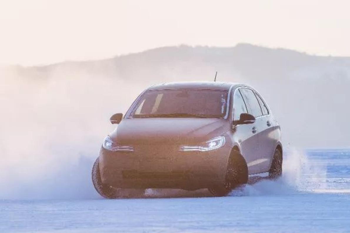 天气渐冷,下雪怎么办? 听珠珠给你讲电动汽车冰雪路面驾驶事项