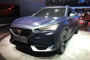 性能、科技、豪华各种口味都有,本届日内瓦车展新能源车很有看点